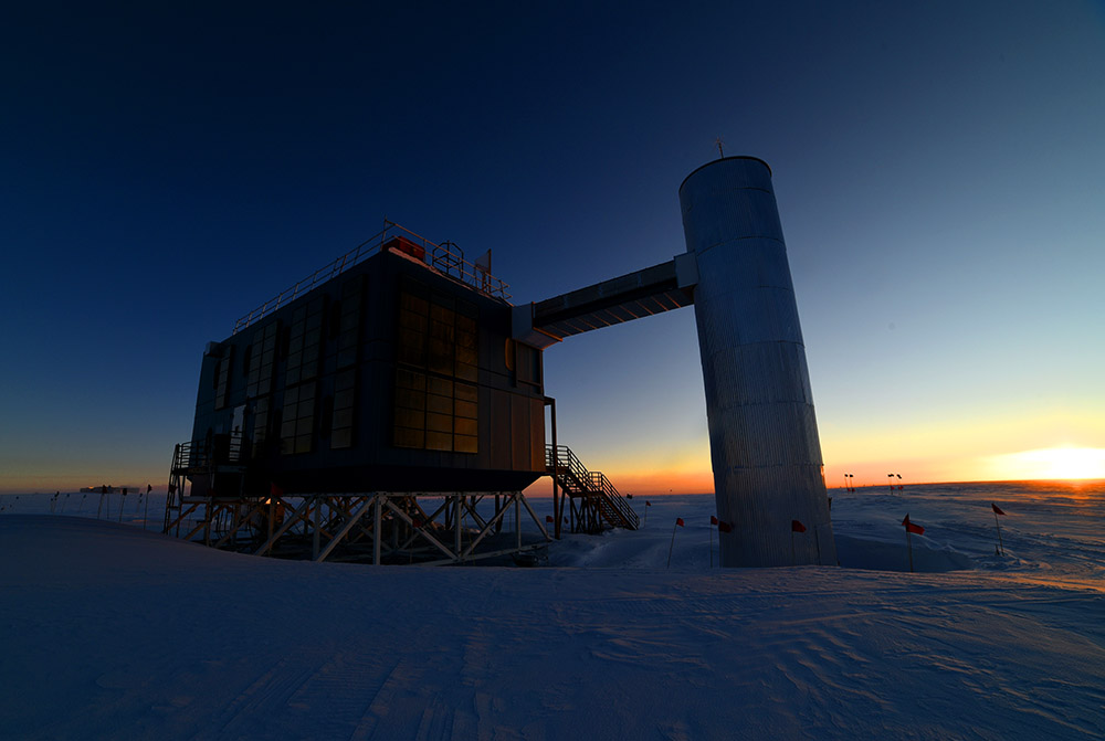 South Pole Blog: Day is Done, Gone the SunIcecube Neutrino Observatory White Book
